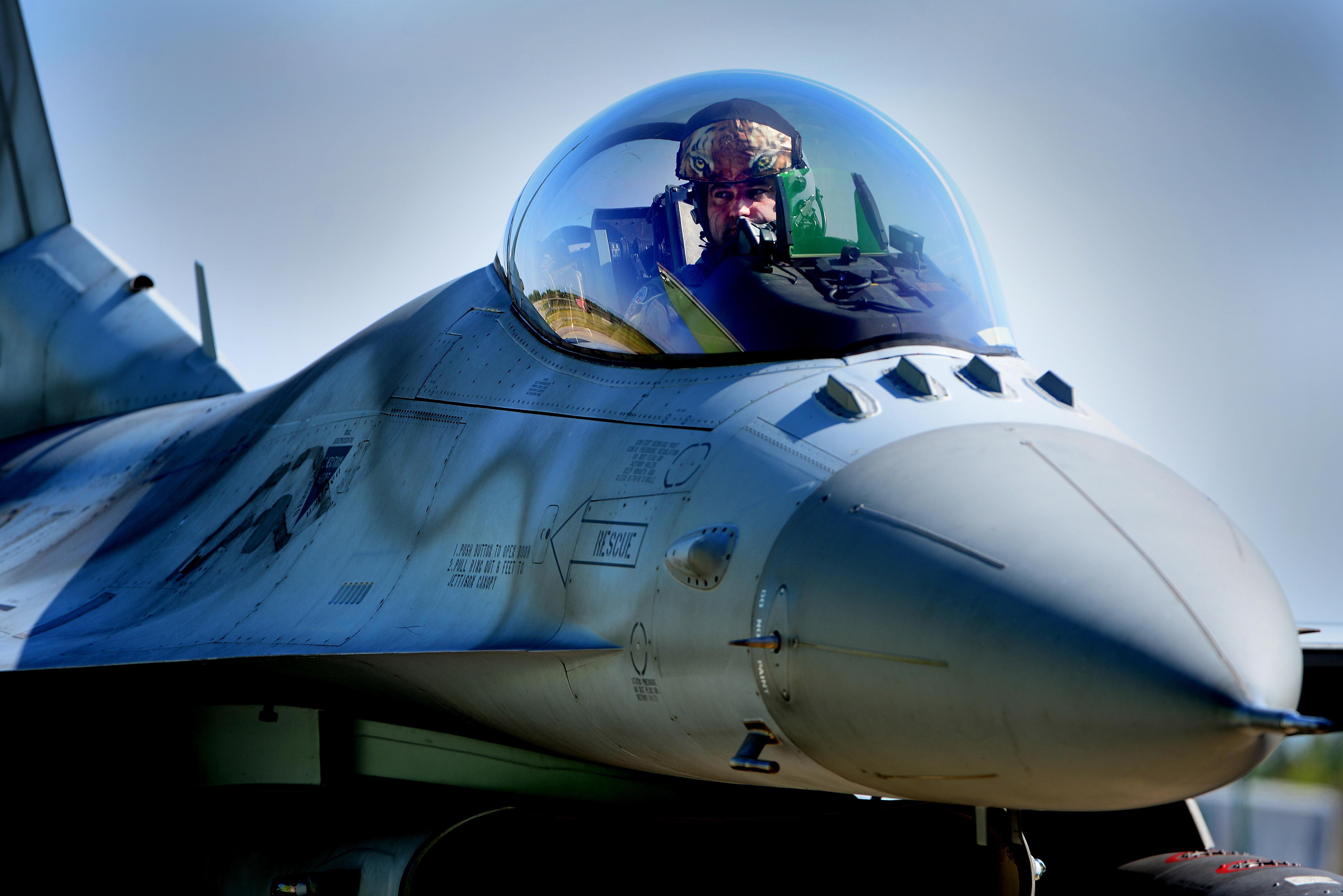 Polish F-16s deployed to Šiauliai