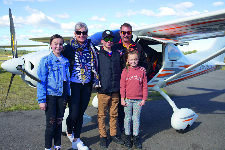 Jett Bennett with dad Paul Bennett and family