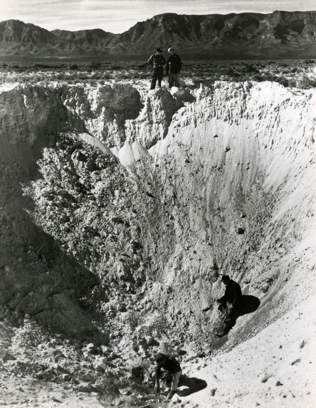 V2 crater SI-79-13164.jpg